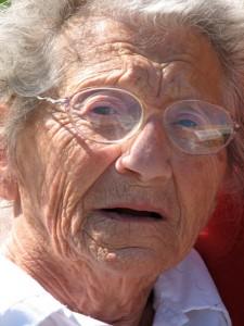 בדיקה לגילוי דם סמוי בצואה לבני גיל הזהב