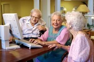 אינטרנט בשימוש קשישים